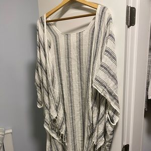 American Eagle tasselled shawl/kimono